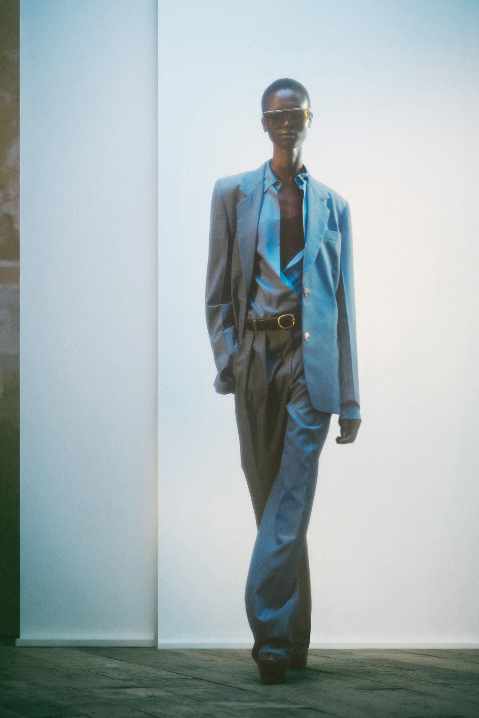Săptămâna Modei din Londra   Muza supremă din colecția primăvară/vară 2022 a Victoriei Beckham