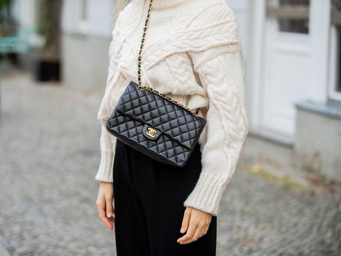 Chanel a limitat achiziția celor mai populare genți de mână